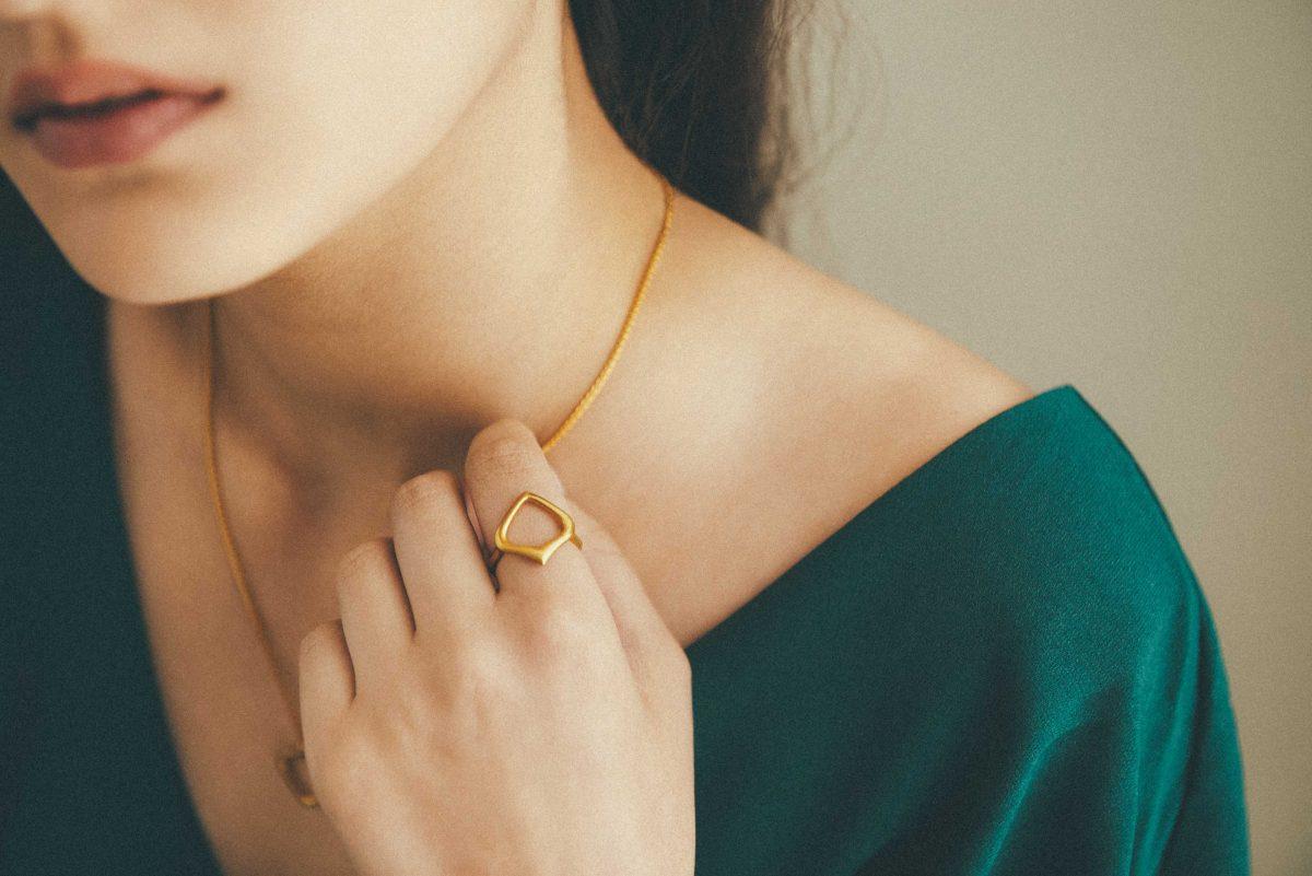 Moznabi jewellery, rahavard collection, goldsmith, gold, silver, diamond, ruby, 18k, 9k, roxy moznabi, persian jewellery, iran, roxanna moznabi, pellegrini e costache, saintloupe